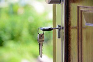 Raak uw sleutel nooit meer kwijt met deze 4 bruikbare tips